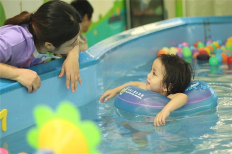 神州爱婴婴幼儿水育加盟