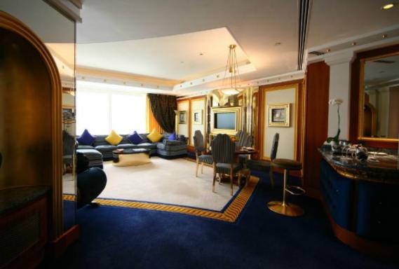 朵丽米酒店