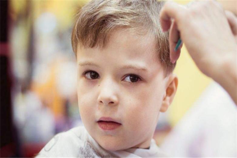 小儿廊专业儿童理发加盟