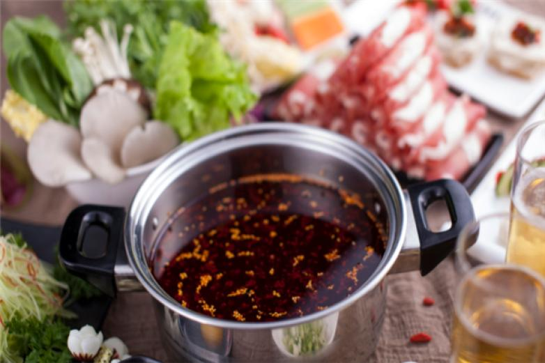 鲜煮艺小火锅加盟